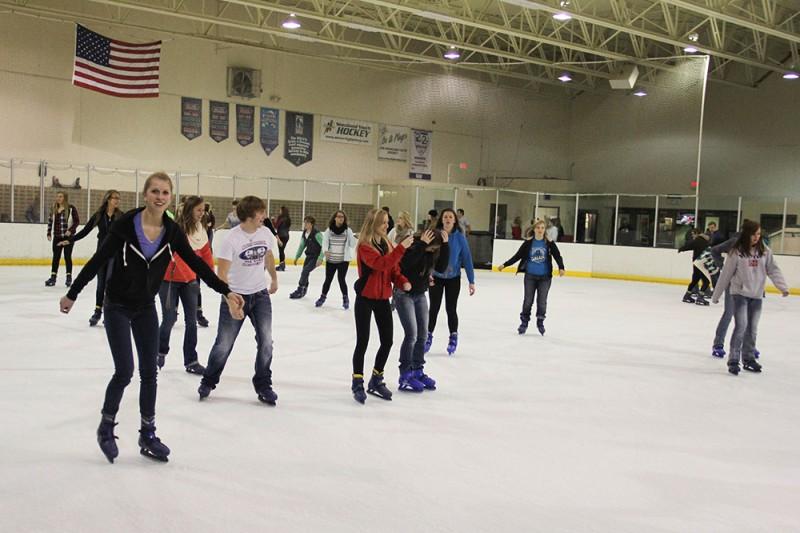 MAC sponsors skating (photos)