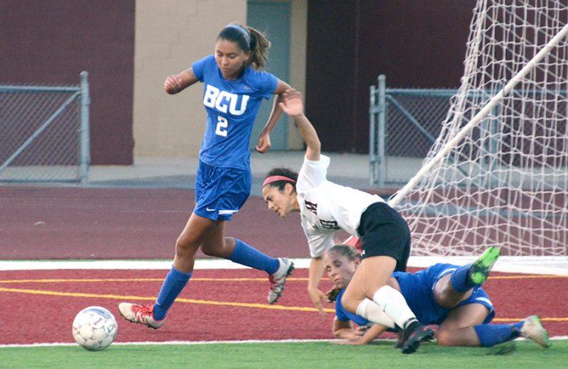 Soccer teams sweep BCU (photos)