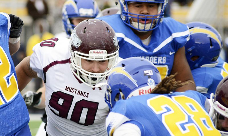 'Stangs rout BCU 49-14