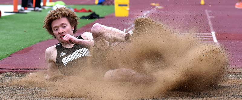 Mustangs take on Sioux City Relays (Photos)